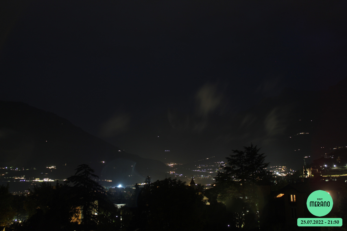 webcam pointing towards Merano/Merano from above